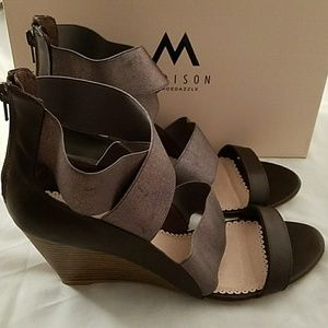 Madison by ShoeDazzle Pewter & Brown Wedges