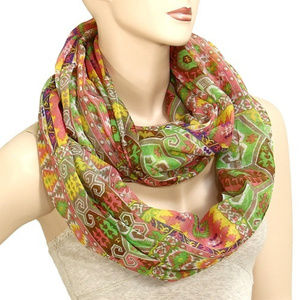 Ladies Lightweight Green and Pink Infinity Scarf
