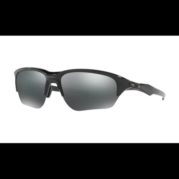 422cb2d4a4da0 NWT Black Oakley Sunglasses. M 5a1b3d8c78b31c102e084a99