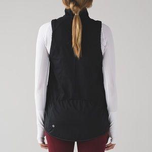 Lululemon kicking asphalt vest black size 2 NWOT