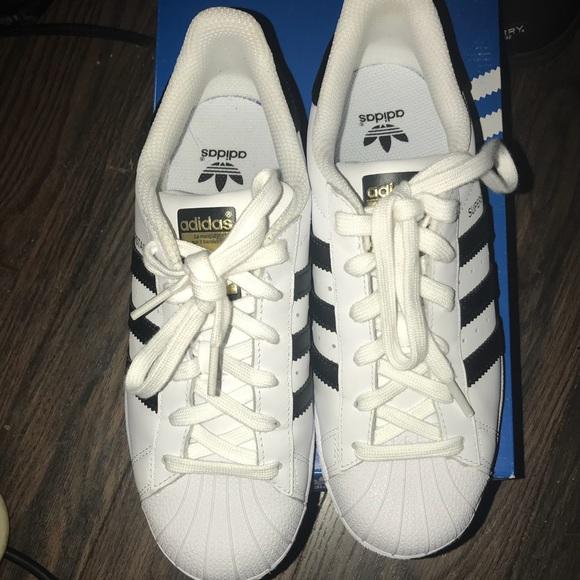 Adidas Shoes Splinterny størrelse 5 passer til 7 12Poshmark  Superstar Sneakers Kids Size 5 Womens 7