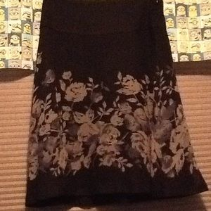 Women's Size 0 A Line Skirt, Very Good Condition