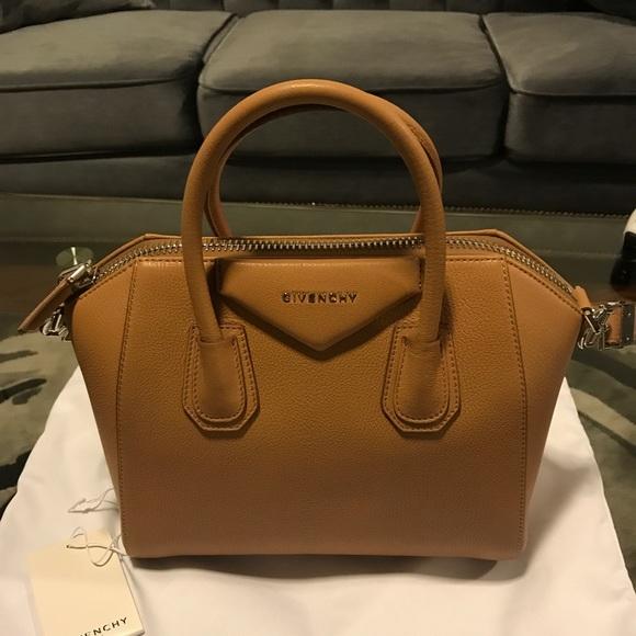 aff3476dbbc0 Givenchy Antigona tote