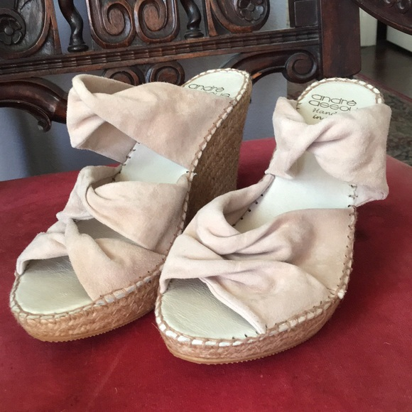 89b91863c Andre Assous wedge sandals