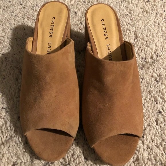 4b52639226c2 Chinese Laundry Shoes - Chinese Laundry Sammy Mule in Suede - Size 6.5