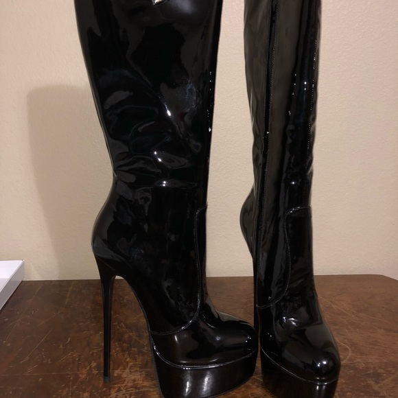 ea4880edd14c Over the knee black boots from Italy