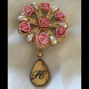 2006 Avon Brooch. Roses and pearls🎀🌸