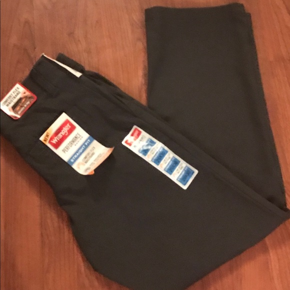 wrangler fit waistband comfort flex shorts mens comforter relaxed jeans cargo with