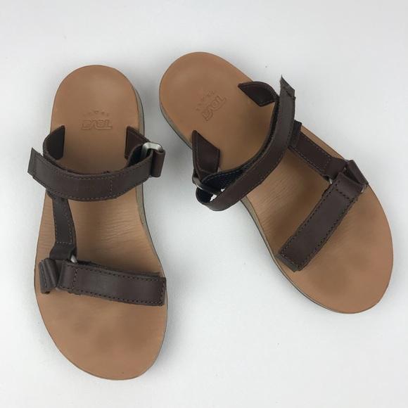 117004880 TEVA Universal Slide Leather Womens Size 8. M 5a1b61a29c6fcf49dc0944da