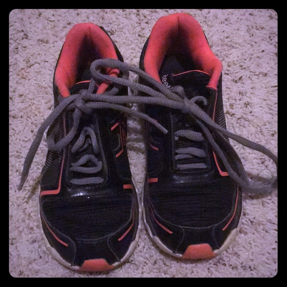 kids reebok tennis shoes