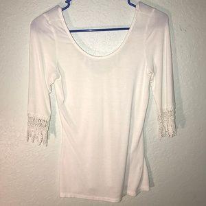 Tobi Scoop Shirt w/ Lace