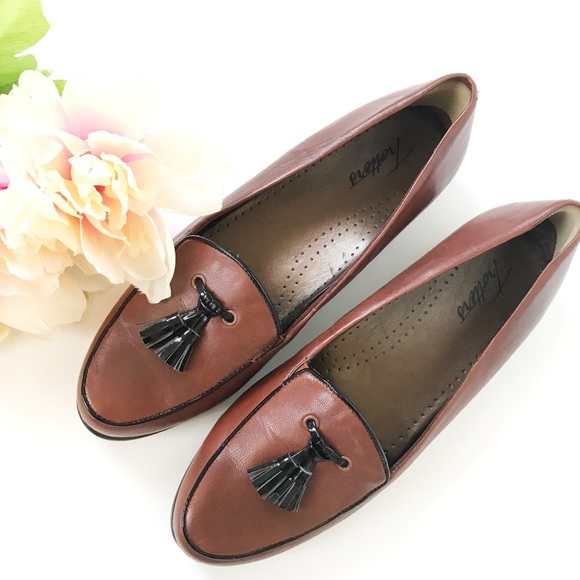Trotters Shoes | Trotters Leana Loafer