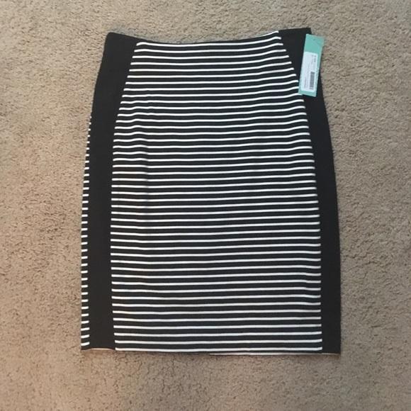 ⭐️NWT⭐️ 41Hawthorn Delphina Printed Pencil Skirt S NWT