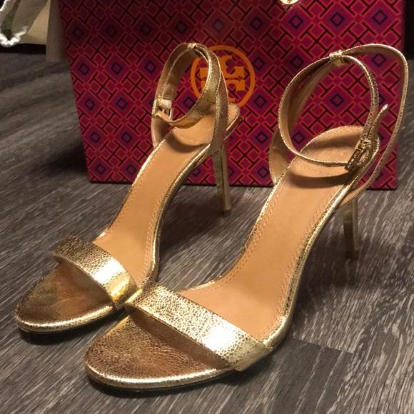 e25fe26e640 Tory Burch Gold Strap Sandals Elana 8. M 5a1b79b92de512ed5609c9bb