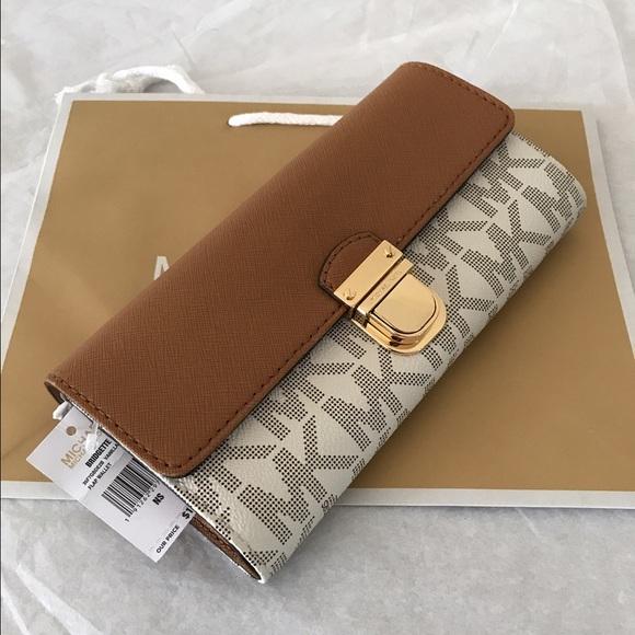 1532941dae33 Michael Kors Bridgette Flap Wallet