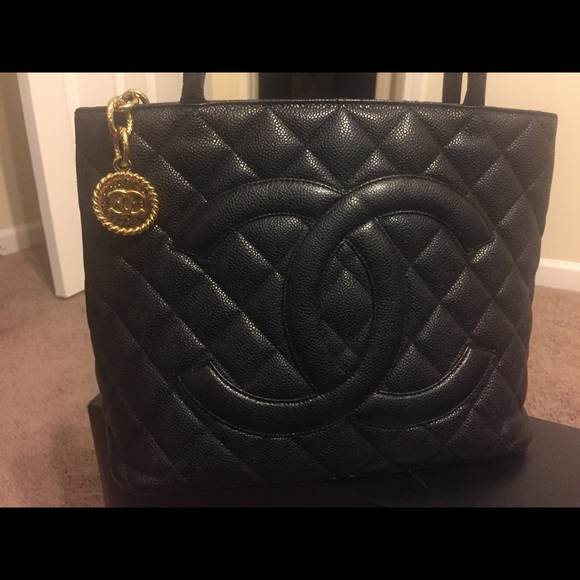 519491c4355c CHANEL Bags | Quilted Caviar Gold Medallion | Poshmark