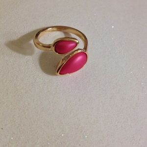 Jessica Simpson Magenta Pearlized Gold Ring