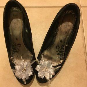 Shoes - Silver Flower Shoe Clip