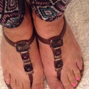 Shoes - BROWN RUBBER JEWELED THONG SANDALS 6