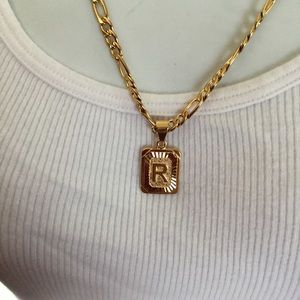 "Other - New 18k gold "" R"" necklace"