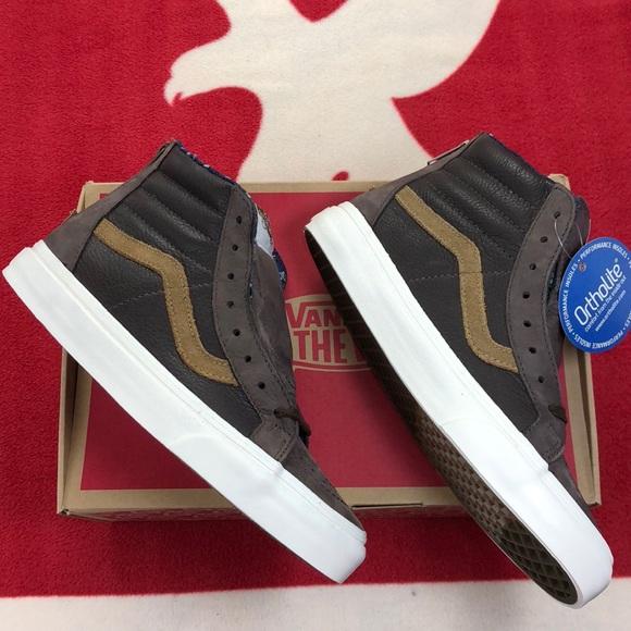 b1168e8146 Vans Sk8-Hi Zip Ca (Leather Nubuck) Coffee Bean