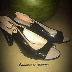 Banana Republic sandals 9