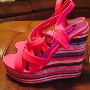 Shoes - Hot pink strappy adorable wedges