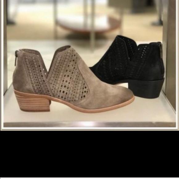 f71b9ffea3d1 Vince Camuto prasata boots. M 5a1c1b812fd0b7c7d00bcc08