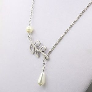 Jewelry - Silver Lariat-Style Leaf and Pearl Choker Necklace