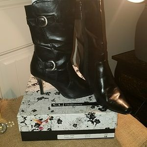 CL By Laundry Black Heeled Boots EUC! 🎀👢