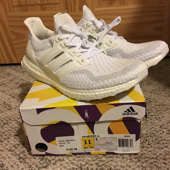 b0a0f085dcedb Adidas Ultra Boost 2.0 Triple White Mens size 11