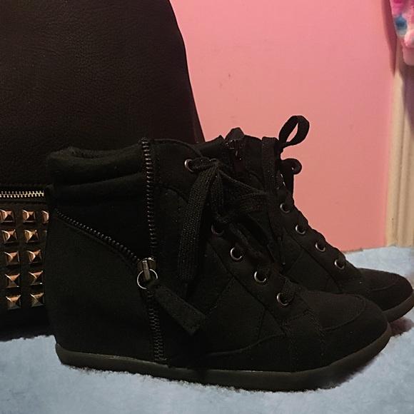 81113bbb715 Justice Girls Black High Heel Sneakers SZ 2