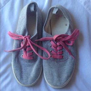 Gap cotton sneakers girls size 4. Pink laces