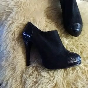 Rampage black sparkled booties sz 9.5