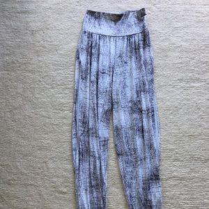 57bf8236b15b3 ALO Yoga Pants   Alo Intention Pant Crackle Xs   Poshmark