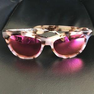 WILDFOX Tortoise Pink Sunglasses Sunnies Catfarer