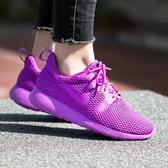 online store ace1f 0c68e Nike Roshe One Hyper Violet - NEW!