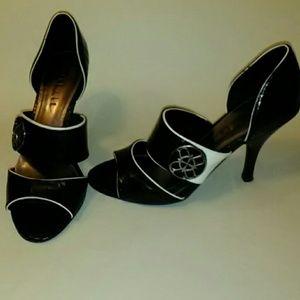 "Nicole Miller ""Dylan"" Black/White heels"