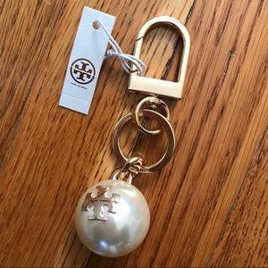 NWT Tory Burch Pearl Logo Key Fob