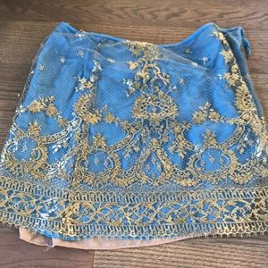 Dresses & Skirts - Vintage gold lace skirt