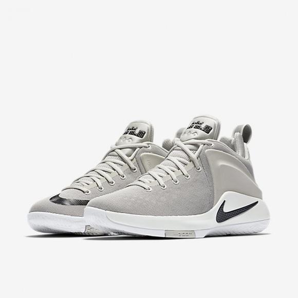 7b59ce1f0a9 Nike Lebron Zoom Witness Men s 12 Sneaker