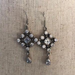Jewelry - Dangling crystal earrings