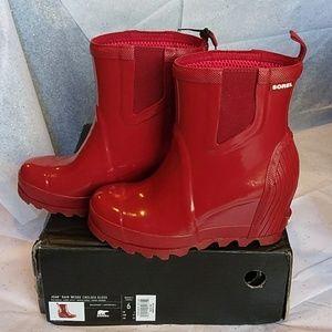 9d026aaab333 Sorel Shoes - 🌼SOREL🌼 ☔Joan Rain Wedge Chelsea Gloss ☔