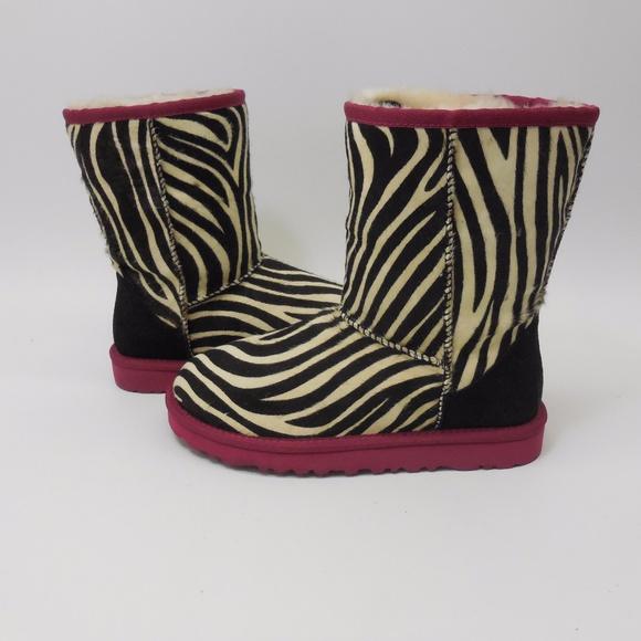 e35a7ae61f9 Ugg Australia Womens Classic Short Exotic Boots