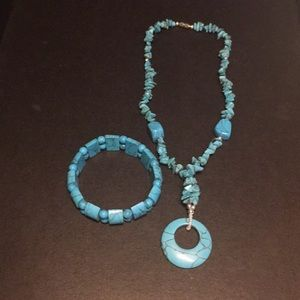 Jewelry - Turquoise necklace and bracelet set