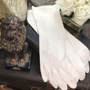 Vintage gorgeous cream gloves