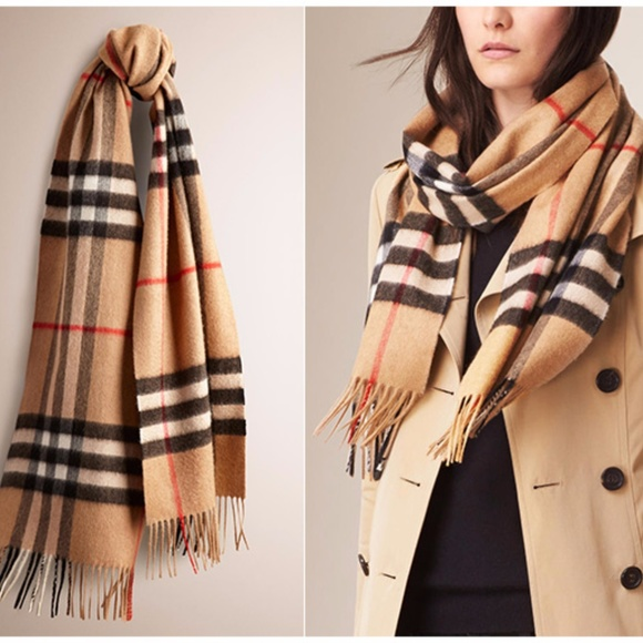 123ede07a203f Burberry Accessories - Classic vintage Burberry scarf