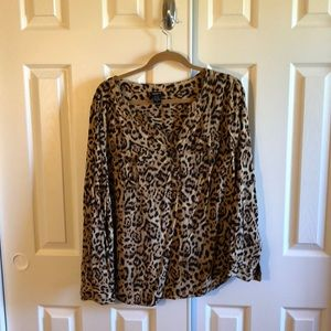 Cute leopard print top!