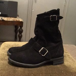 SUPER SALE! Paul Green black suede booties