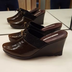 VIA SPIGA DO BROWN LEATHER WEDGE MULES CLOGS